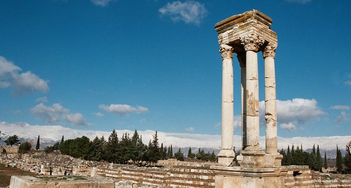 title: History Reflected in the Scenery of Umayyad Palace Ruins