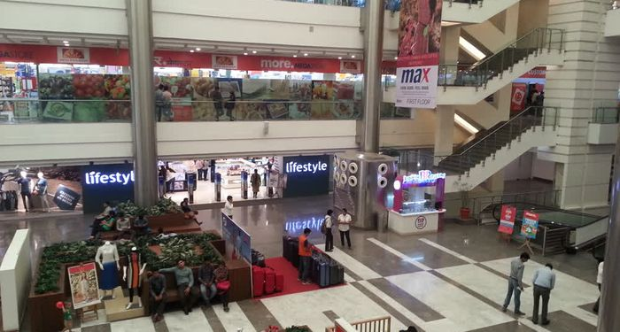 title: Moments Mall