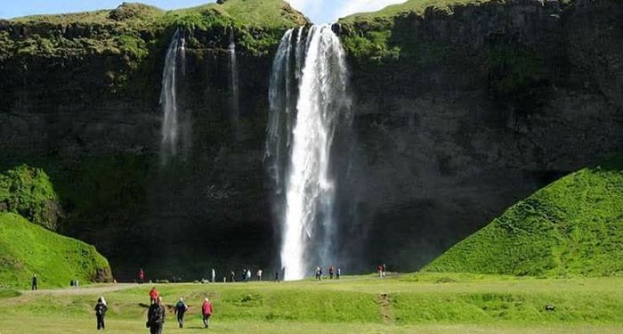 title: Waterfalls from around the world