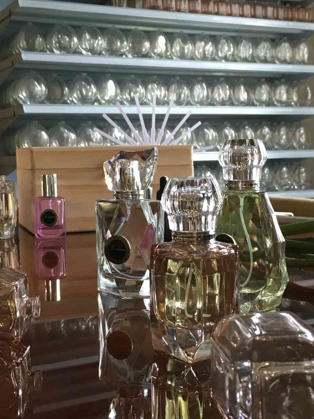 Bespoke Perfume Making workshop : Take home 75ml